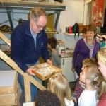 Het Pieter Vermeulen Museum is dringend op zoek naar vrijwilligers!