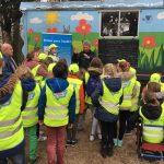 Kinderboerderij Velserbeek krijgt 'Velsen Geen Bende kliko's' op Nationale Opschoondag!